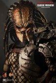 Hot Toys Predators Movie Classic Predator 1:6 Scale Figure